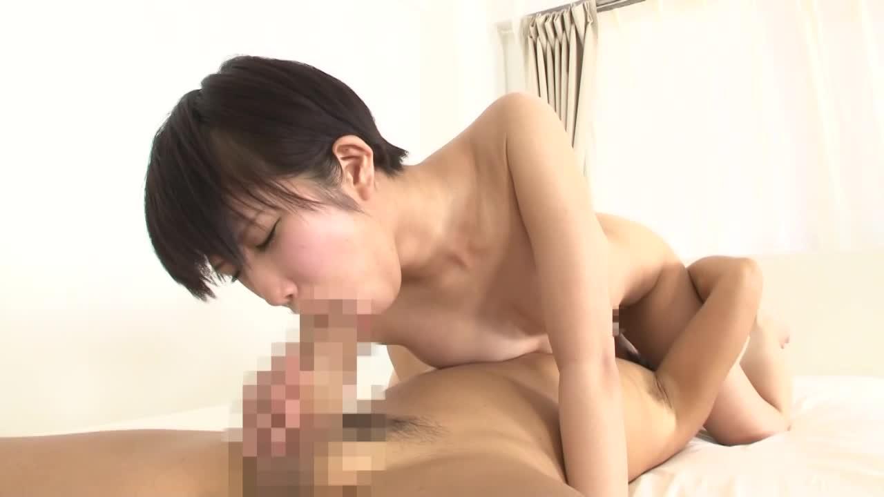 【湊莉久】ショートヘアのロリ顔お姉さん。ナイスバディな身体でシックスナイン!!