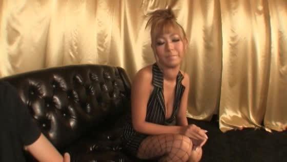 【巨乳動画】ピカピカ黒ギャルの自撮りオナニー